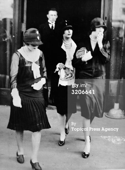 1926- Mary Pickford, Constance & Norma Talmadge at Rudolph Valentino's Funeral